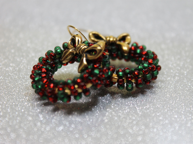 Holiday Christmas Wreath Earrings Beaded Green And Red Silver Or